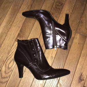 EEUC Franco Sarto Dark Brown Zip Booties Size 9.5